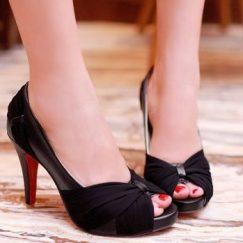 petite size 2 heels