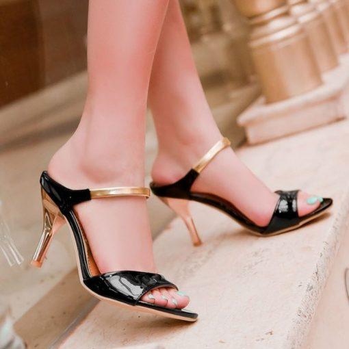 black gold petite pumps size 2