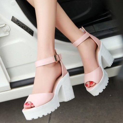 white platform sandals buckle petite size 4 5 6